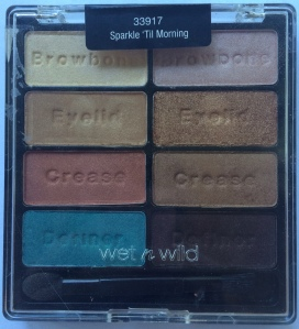 Lastly I have another limited edition palette from last Christmas...and the Christmas before that if I'm not mistaken.  This is one of those palettes that does seem to pop up occasionally, if it's not exactly the same every time, it's very close.