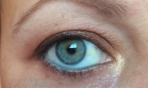 benefit_roller_lash_eye_open_2_pre_application