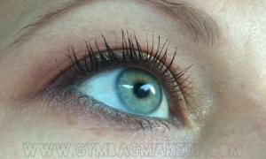benefit_roller_lash_eye_open_post_application