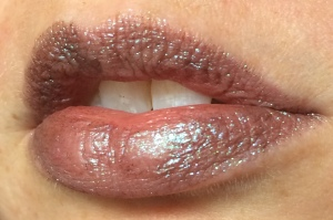 electromagnetic_one_coat_lip_swatch_light_source_2