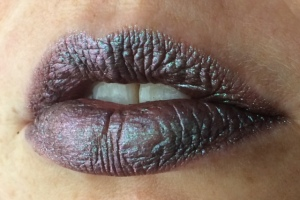 electromagnetic_three_coats_lip_swatch_light_source_1