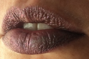 electromagnetic_two_coats_lip_swatch_light_source_1