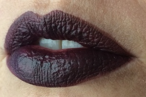 wnw_coffee_buzz_milani_dark_coffee_lip_swatch