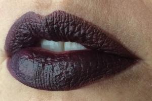 wnw_coffee_buzz_milani_dark_coffee_lip_swatch