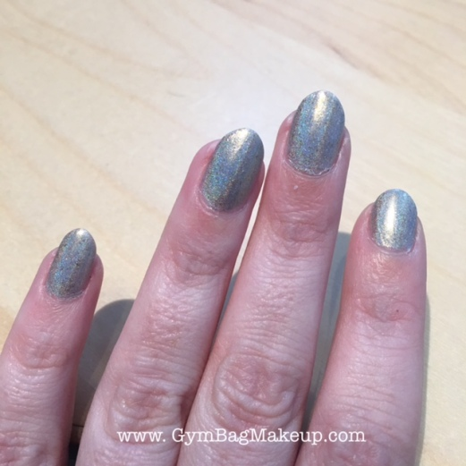 ilnp_cozy_mittens_nail_swatch_5