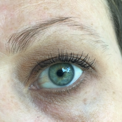 MUFE Vanilla as a base and to blend out the edges. Warm Taupepacked on the lid, blended in the crease and smudged on the lower lash line. Maybelline Lash Sensational mascara
