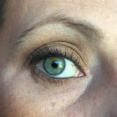 To blend and highlight the inner corner - Cotton. Transition - Mocha. Lid - Copper Pearl. Lower Lashline - Butterscotch + Mocha. Liner - Raven. Waterline - Urban Decay Zero. Mascara - Lancome Grandiose.